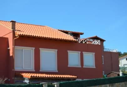 Dúplex a Avenida de Juan Hormaechea Cazón, nº 8