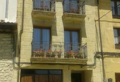 Casa rústica en calle Constitución, nº 8