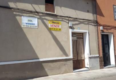 Casa pareada en calle Miajadas, nº 8