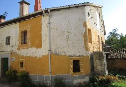 Casa adosada en calle Navagos, nº 37