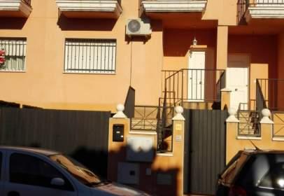 Chalet adosado en calle Berlanga, nº 69