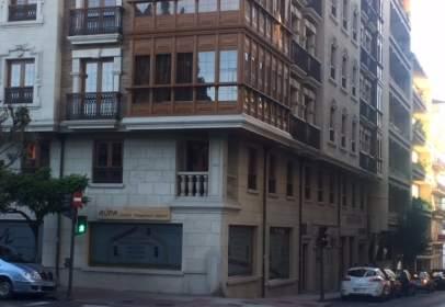 Oficina en calle de Tuy, nº 25