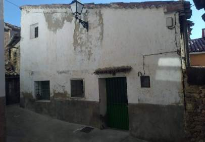 Rustic house in calle Iglesia, nº 10