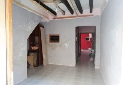 Casa adosada en calle Pau, nº 8