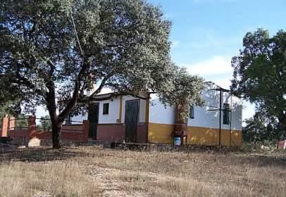 Casa rústica en Avenida los Extremos, Par. 144