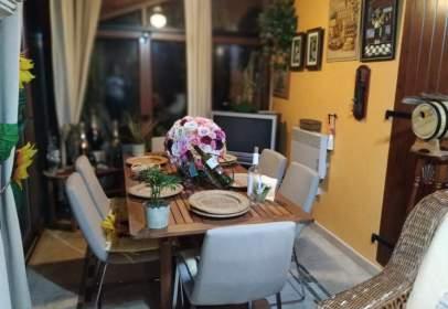 Casa unifamiliar en Avenida Aguerria, nº 17