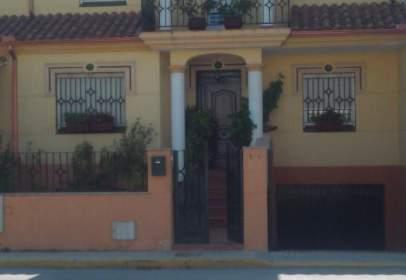 Casa adossada a Avenida del Guadalquivir, nº 79A