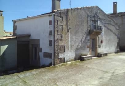 Casa rústica en calle Cementerio, nº 8