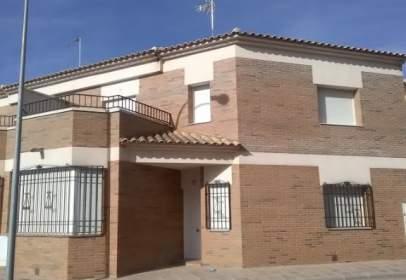 Casa aparellada a Camino San Jorge, nº 17