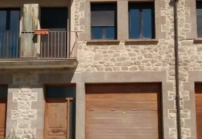 Casa adosada en Carretera de La Serra, nº 5