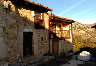 Casa unifamiliar en calle El Cantón, nº 26
