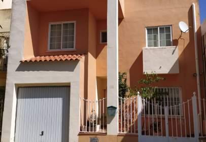 Casa unifamiliar en calle de los Chopos, 13