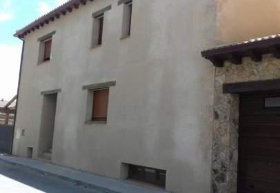 Casa adossada a calle Botijo