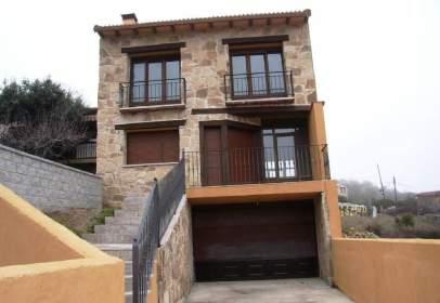 Casa adosada en El Berrueco