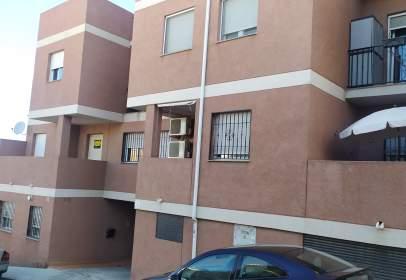 Piso en calle de Ramón y Cajal