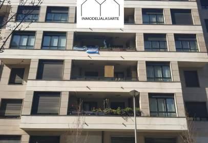 Flat in calle de Manuel Lekuona, 4