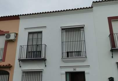 Casa adosada en calle de Victoria Kent, cerca de Calle de Dolores Ibárruri