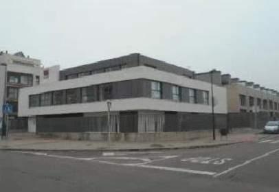 Garage in calle de Caleruega,  53