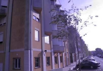 Garage in  Respuela,  147