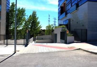 Garage in Avenida del Puente Cultural