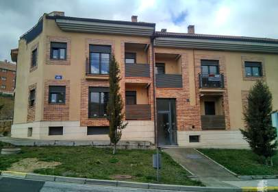Piso en calle Enriqueta Peigneux,  50